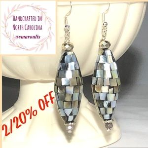 Frontrow.style Jewelry - Sterling Silver Earrings Jade  Mother of Pearl